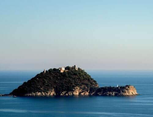 Itinerari in barca per scoprire il Ponente Ligure