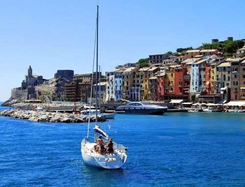Liguria in barca: ormeggiare ed esplorare