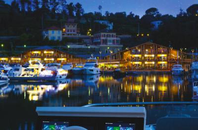 Marina di Varazze di notte